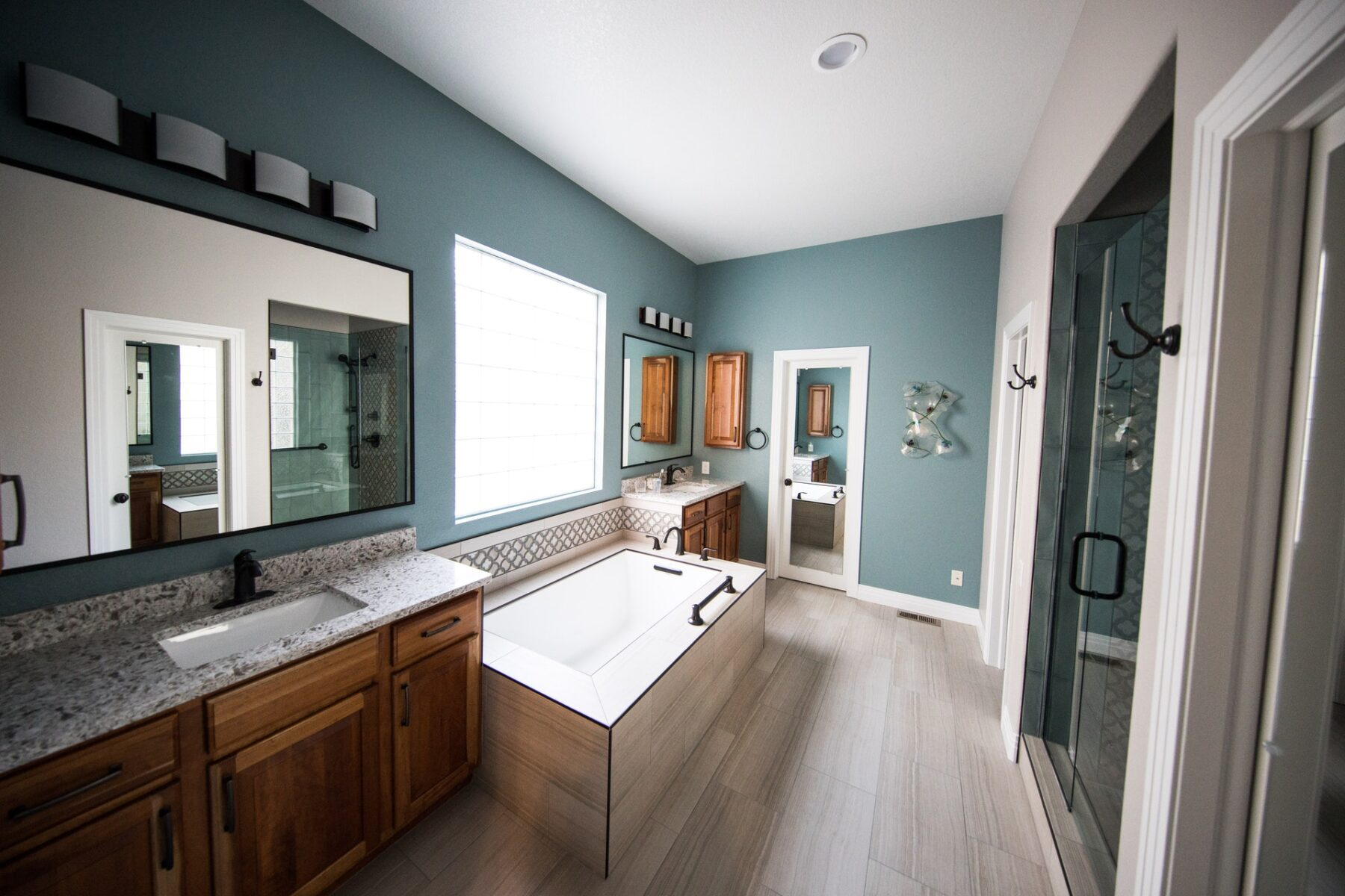 How to Decorate Your Bathroom: The Complete Beginner's Guide