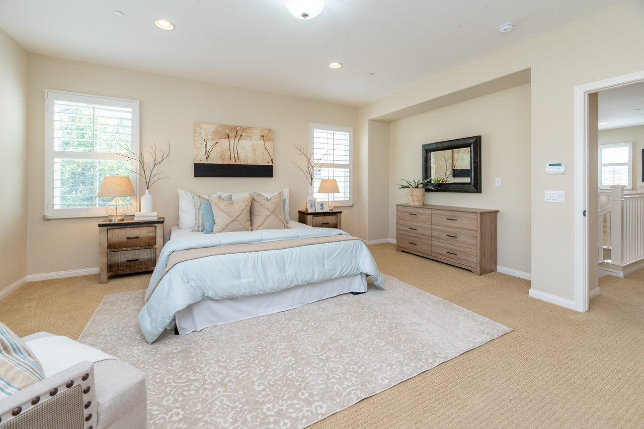 How to Declutter, Clean, and Organize your Bedroom